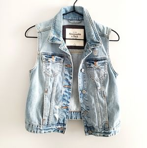 Abercrombie & Fitch Distressed Denim Jean Vest szM